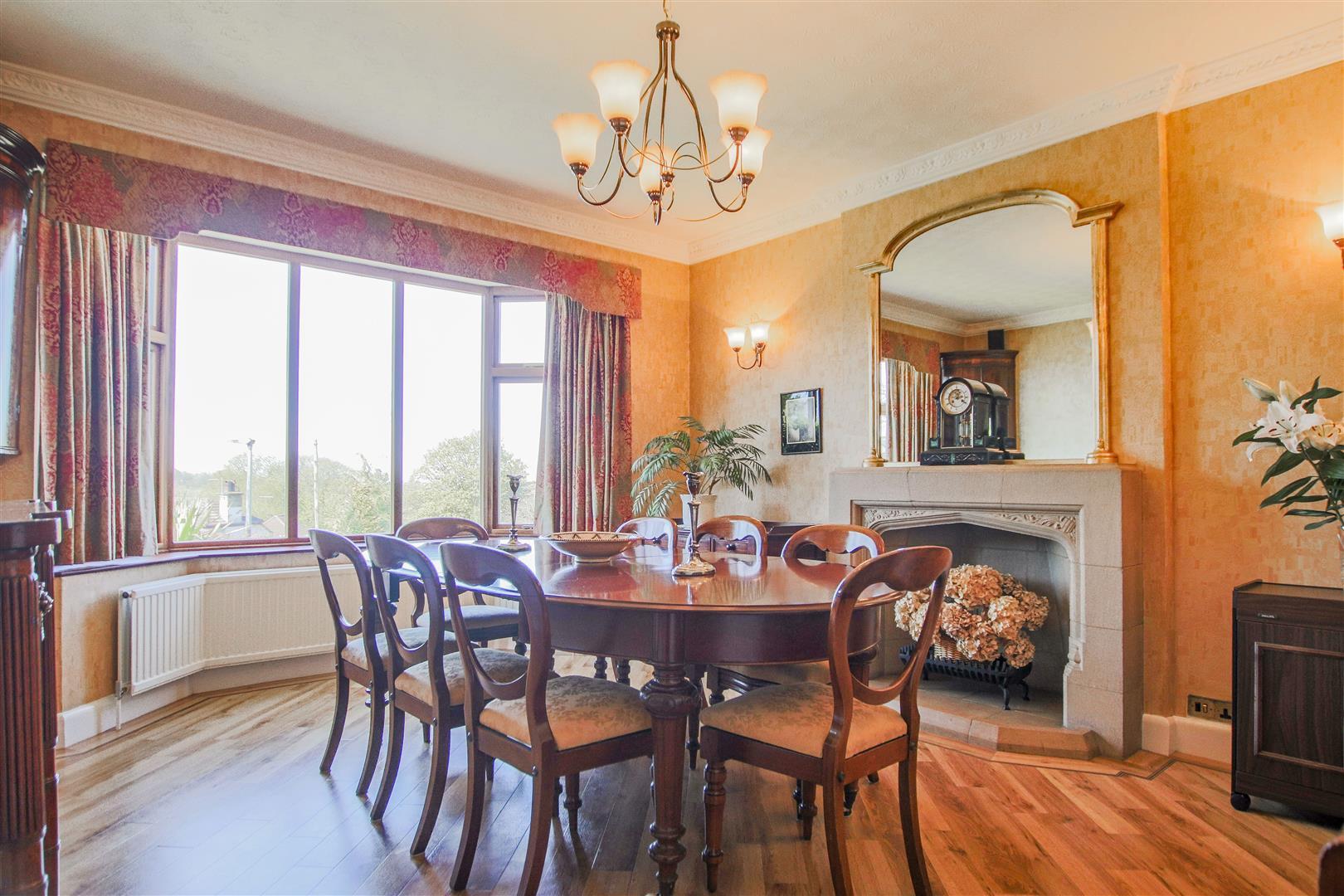 4 Bedroom Detached House For Sale - 12.JPG